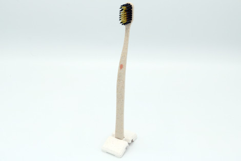 Novacare spazzolino LEGNO oro & carbone di bambù